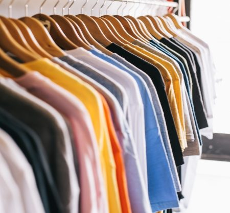 clothes-rail-with-t-shirts_23-2147669592